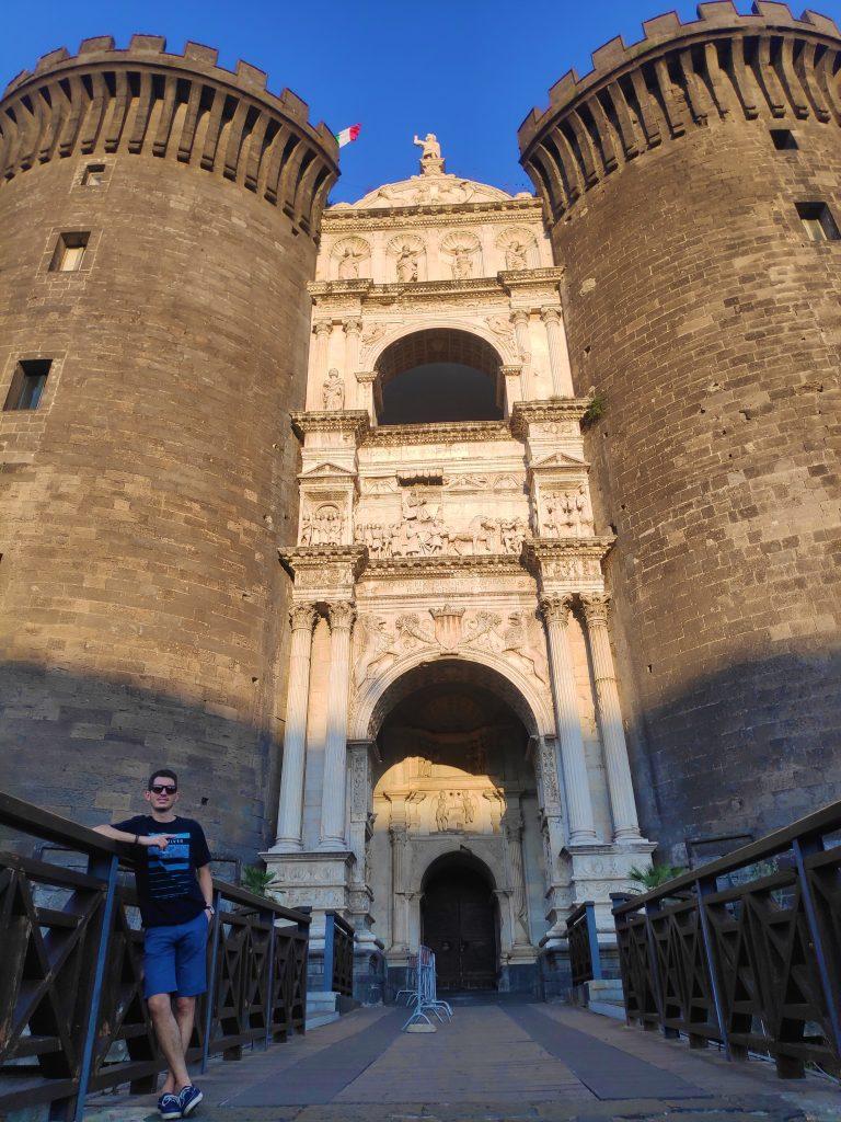 Castillo del Huevo Napoles